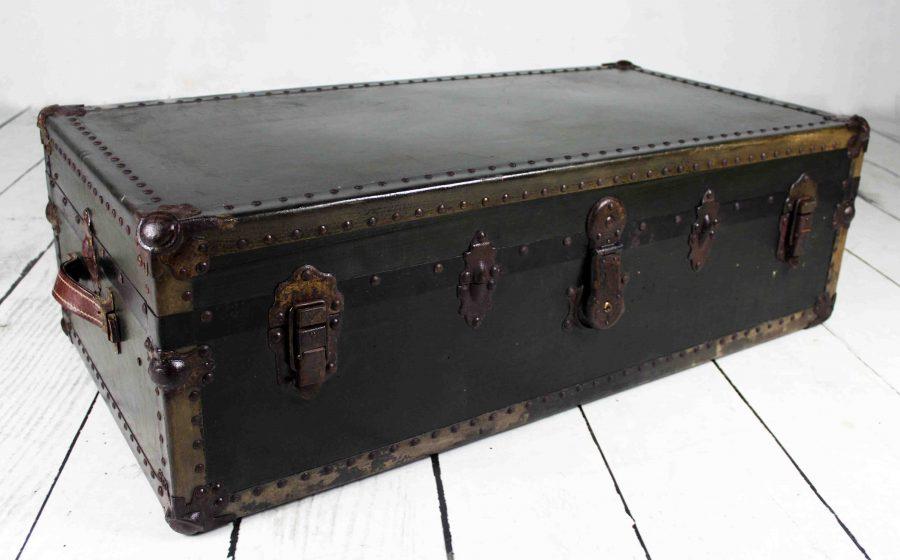 Baúl de viaje antiguo-vintage
